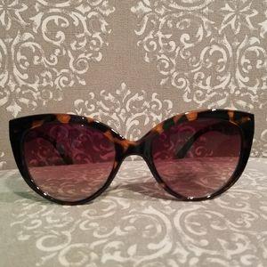 A.J. MORGAN cat eye sunglasses